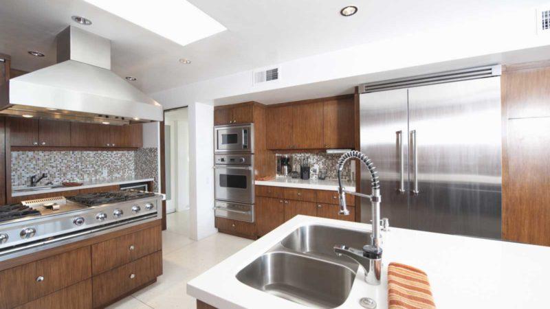 Od czego rozpocząć poszukiwania mebli kuchennych do swojej przestrzeni?