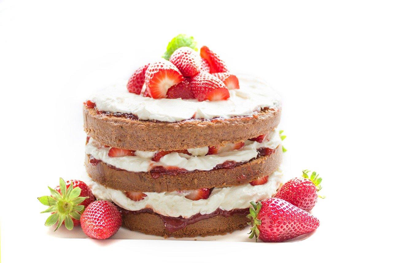 Czy opłaca się samemu upiec tort?