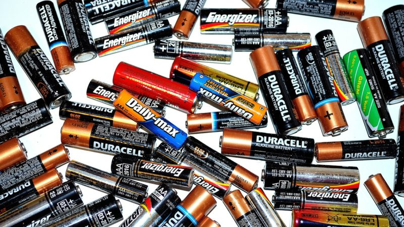 Cykle ładowania baterii i akumulatorów