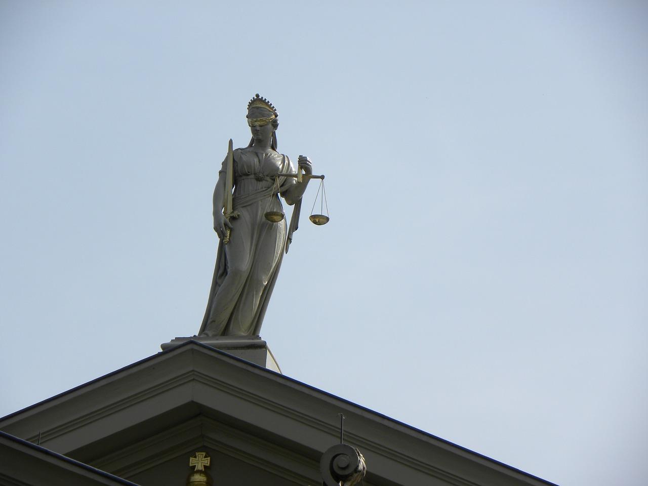 Jakie usługi prawne otrzymasz od adwokata?