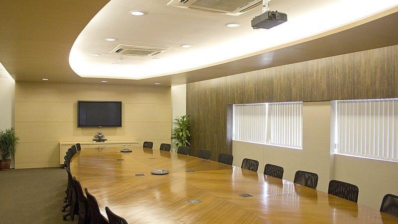 Co powinno znaleźć się w umowie najmu biura?
