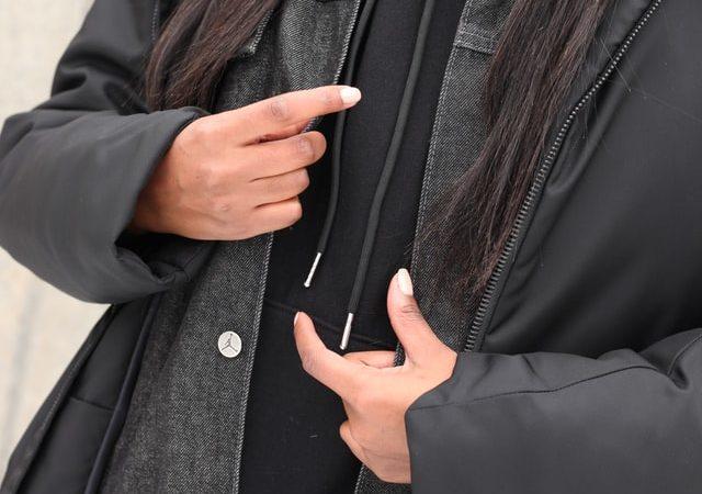 Jak wybrać odpowiedni kolor płaszcza zimowego