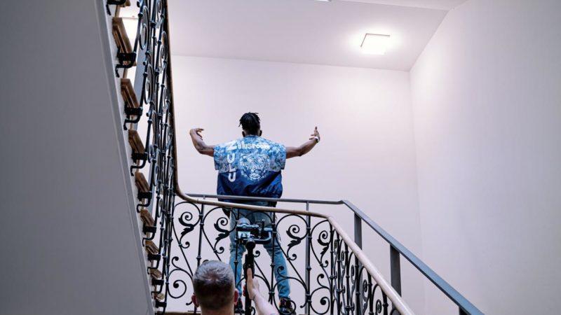 Odpowiedniej jakości osłony do zamontowania na balkonie