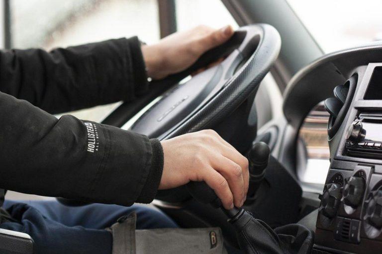 Szkoła bezpiecznej jazdy – dla kogo