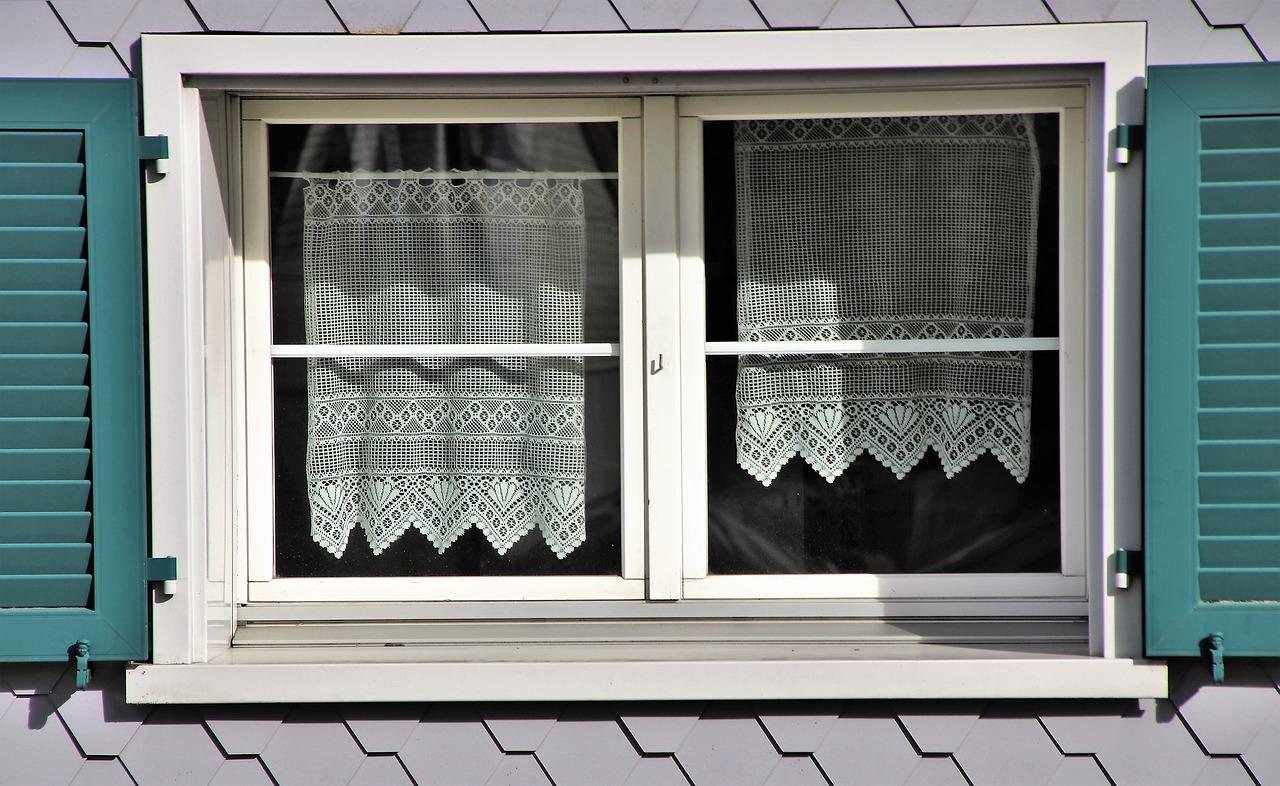 Klasyczne i nowoczesne, czyli zasłony okienne do każdego wnętrza!