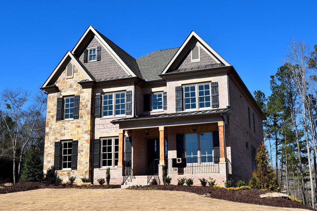 Właściciele nieruchomości powinni zlecać regularne kontrole